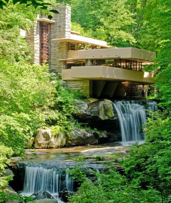 Architettura moderna casa sulla cascata for Architettura wright