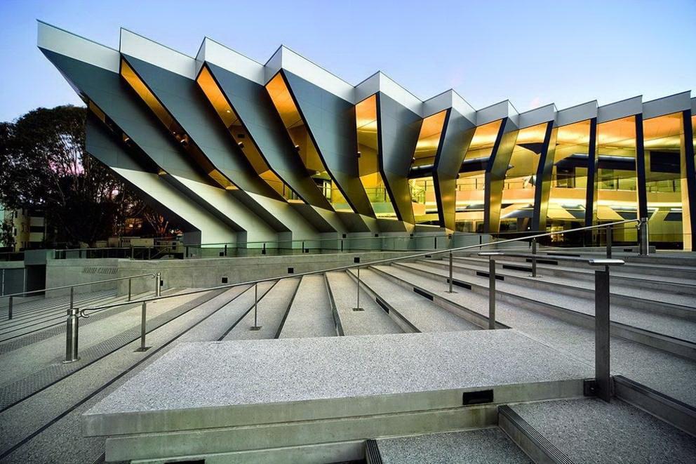 Architettura moderna john curtin school of medical research for Architettura moderna ville